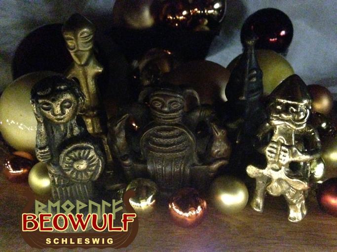 Kleine Figuren der Götter Odin / Wotan, Thor und Freyr sowie von einer Walküre.
